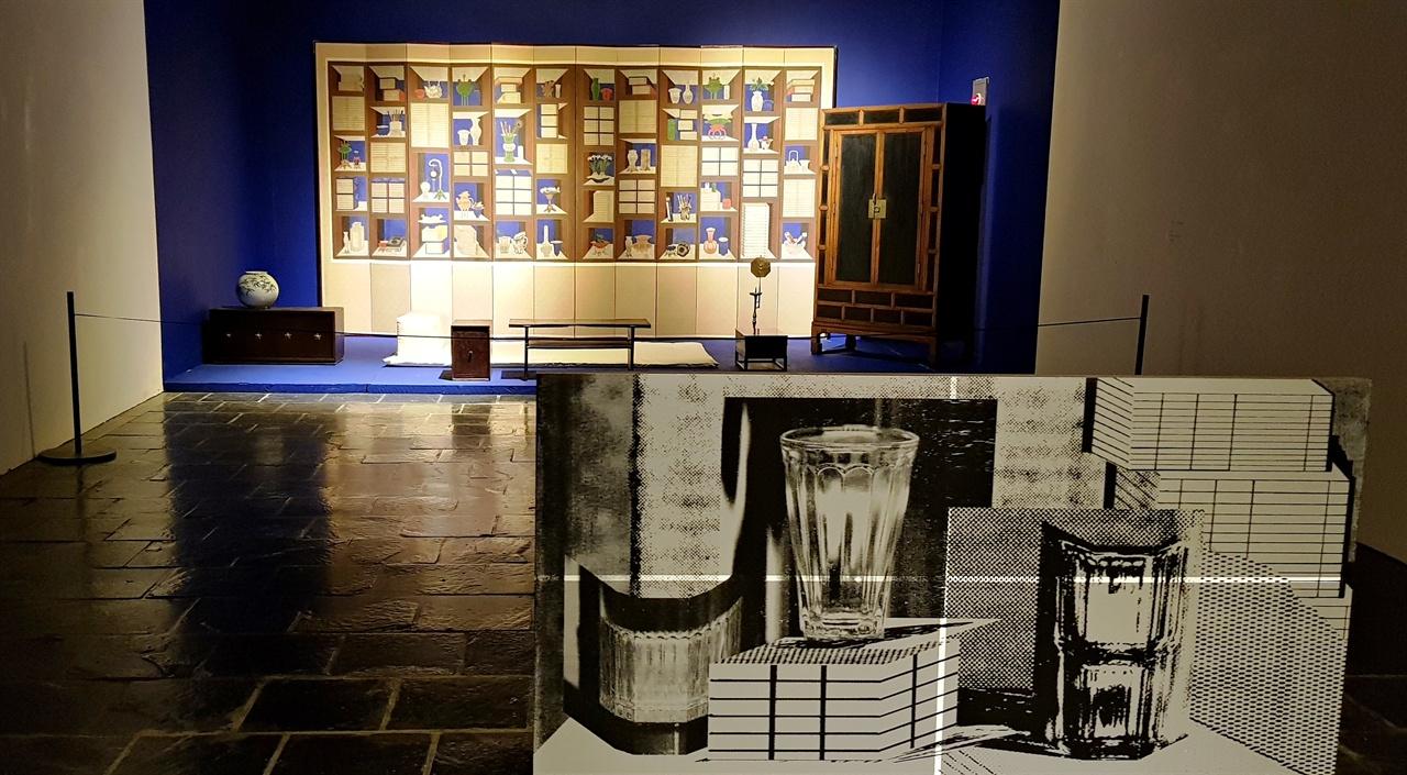 온양민속박물관 구정아트센터의 <민화:일상의 시간>전. 구정아트센터는 일본의 한국인 건축가 유동룡이 한국에 최초로 지은 건축물이다. 전시는 과거를 현재와 만나게 했다.