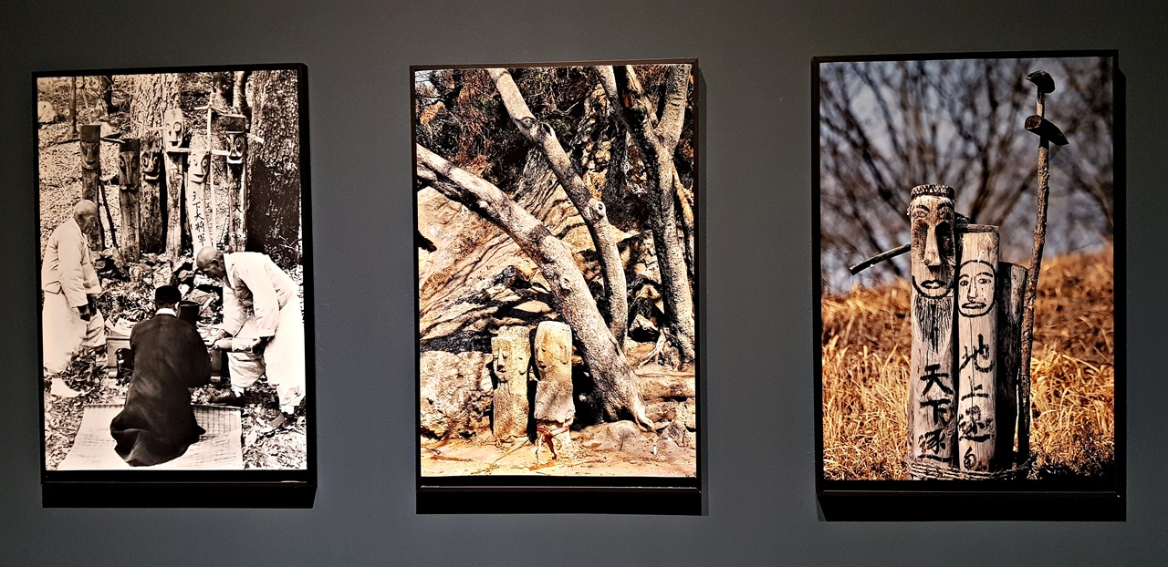 온양민속박물관에 소장된 자료사진 작품들.  계획에 따른 유물 수집을 해온 이곳의 전시는 한국인의 삶을 통시적으로 보여준다. 현대가 참조할 내용과 형식이 그 안에 빼곡했다.