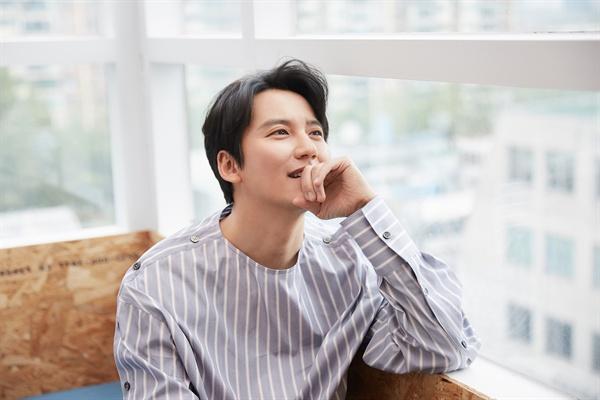 김남길 SBS 금토드라마 <열혈사제>에서 김해일 역을 맡은 배우 김남길의 종영 인터뷰가 30일 오후 서울 신사동의 한 카페에서 열렸다.