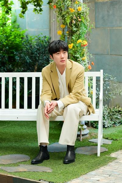 정일우 최근 종영한 SBS 월화드라마 <해치>에서 연잉군 이금 역을 맡은 배우 정일우의 인터뷰가 2일 오전 서울 신사동의 한 갤러리에서 열렸다.