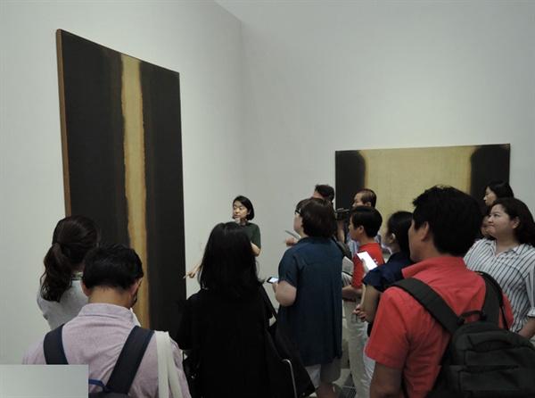 2018년 8월에 열린 '윤형근회고전' 국립현대미술관(MMCA) 서울관 전시장면