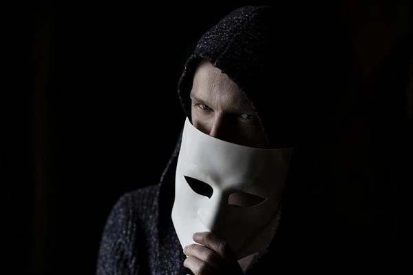성범죄자의 기부는 재판을 앞두고 종종 볼 수 있다. 이는 형량의 감경 요인으로 인정된 판례가 있기 때문이다.