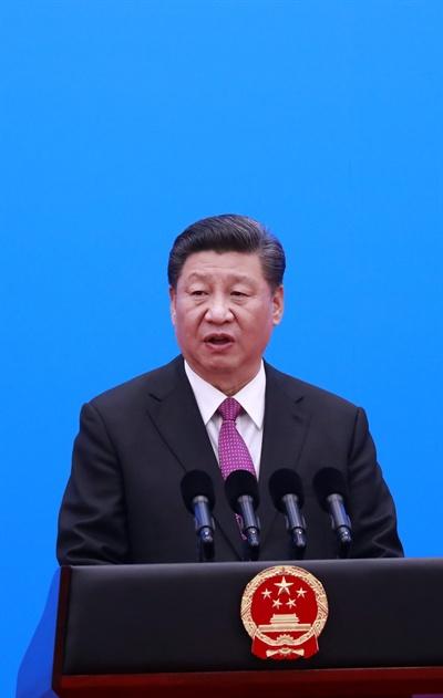 폐막 기자회견하는 시진핑 중국 일대일로 국제협력 정상포럼이 27일 폐막하는 가운데 시진핑 중국 국가주석이 폐막기자회견을 하고 있다.