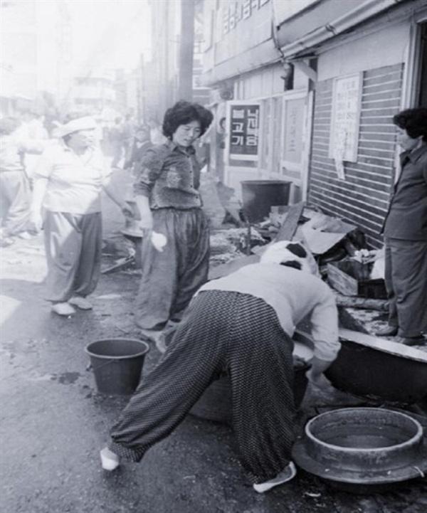 목숨을 위협하는 공포와 두려움 속에서도 양동시장과 대인시장의 상인들이 시민군들과 함께 나누었던 주먹밥은 단순한 밥이 아니었다