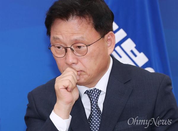더불어민주당 박광온 최고위원이 13일 오전 국회에서 열린 최고위원회의에서 생각에 잠겨 있다.