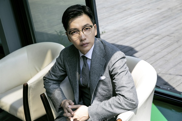 배우 이동휘.