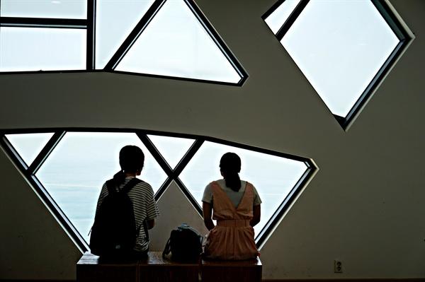 몽여해수욕장 섬이야기박물관에서 바다 바라보기