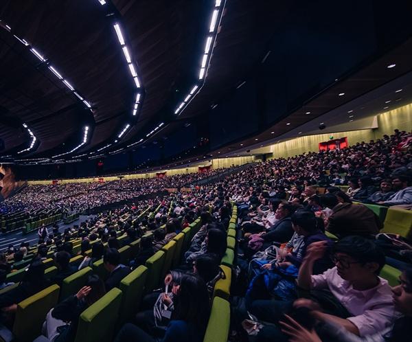 이루마 호주 콘서트, 멜번 컨벤션 센터는 3800 석을 가득 채우며 성황을 이뤘다.