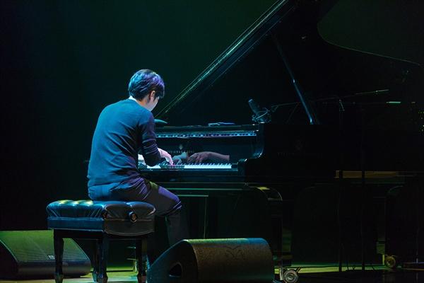 한곡 한곡 관객들에게 힐링 파워를 선물한 이루마 호주 콘서트