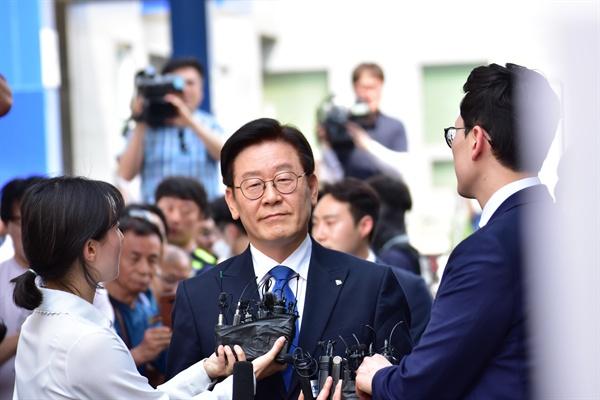 이재명 경기도지사가 16일 오후 수원지법 성남지원에서 열린 1심 선고 공판에 참석하고 있다.