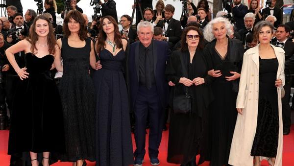 제 72회 칸국제영화제에 참석한 영화 'The Best Years of a Life' 팀.