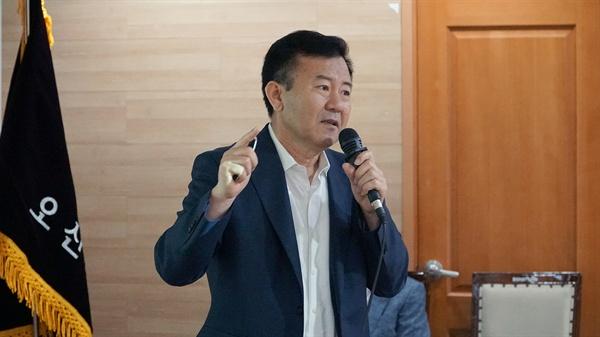 우정욱 자치분권대학 기획처장