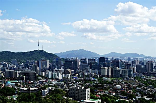 말바위 전망대에서 바라본 서울 시내 풍경