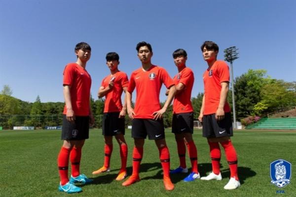 u-20 대표팀 좌측부터 김세윤-고재현-이강인-정호진-박태준