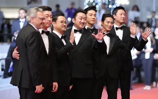 제72회 칸영화제 미드나잇 스크리닝 부문 초청을 받은 영화 <악인전> 팀.