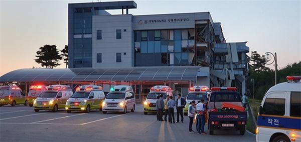 23일 강원 강릉시 대전동 강원테크노파크 강릉벤처공장에서 수소탱크 폭발사고가 발생했다. 이 사고로 2명이 숨졌고, 4명이 중상을 입고 1명이 매몰됐다.