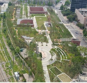 25일 문을 여는 서울 중구 서소문역사공원의 모습