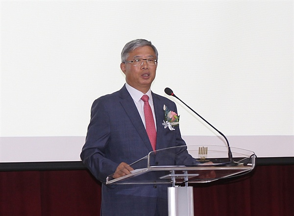지난해 6월 22일 오전 울산지검 대강당에서 열린 제23대 울산지검장 취임식에서 송인택 지검장이 취임사를 하고 있다.