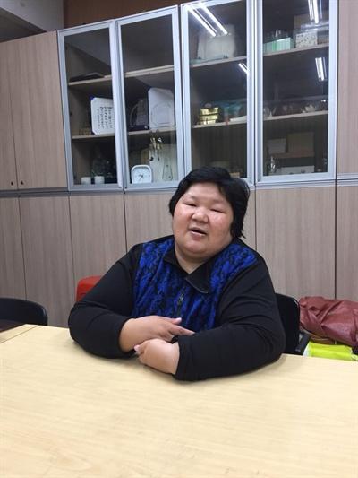 인터뷰하고 있는 이소라씨(가명)