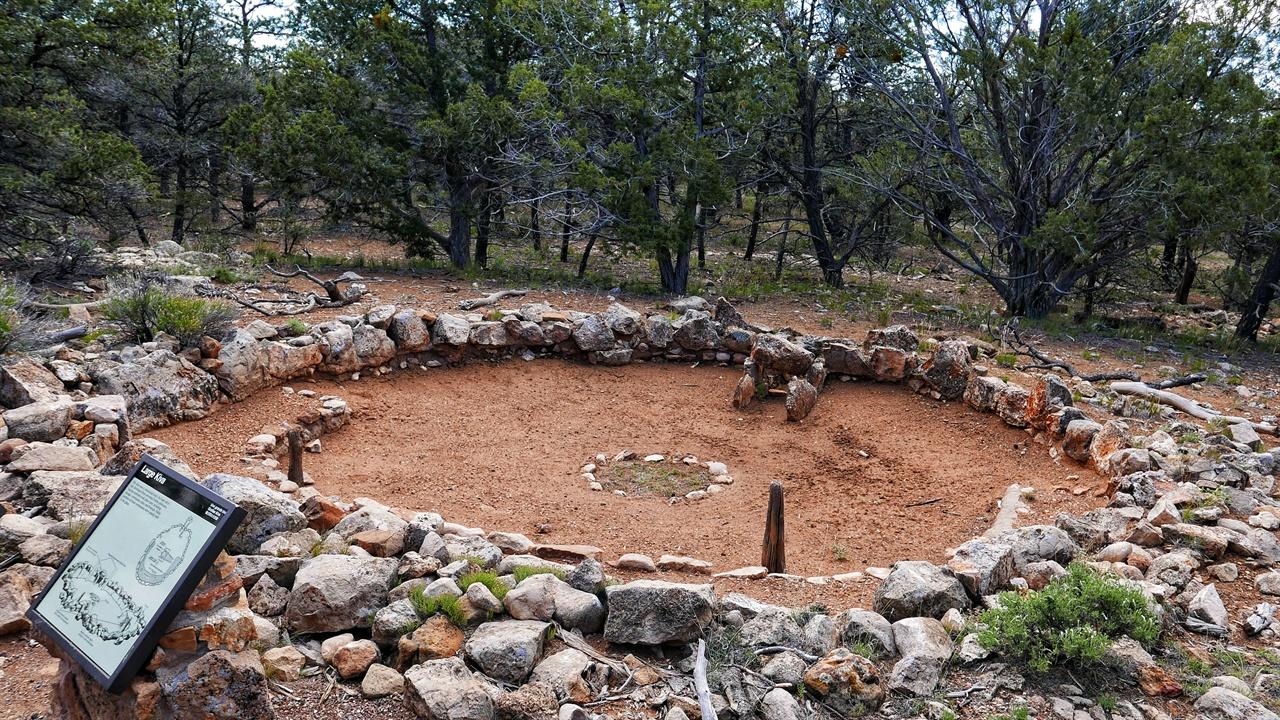 원주민들이 기도를 하던 공간. 식량 저장 창고로도 사용했다. 애리조나주 그랜드 캐년에서 촬영했다. ⓒ 우세린