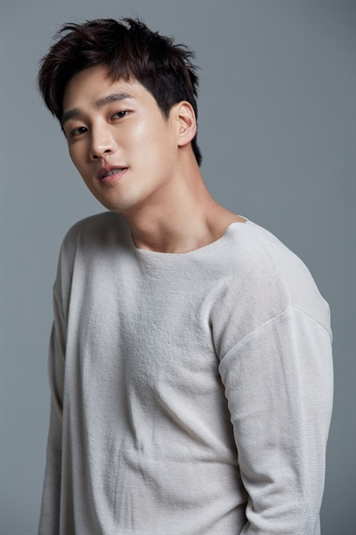 최근 종영한 tvN <그녀의 사생활>에서 덕미(박민영 분)를 짝사랑하는 소꿉친구 남은기 역을 맡은 배우 안보현.