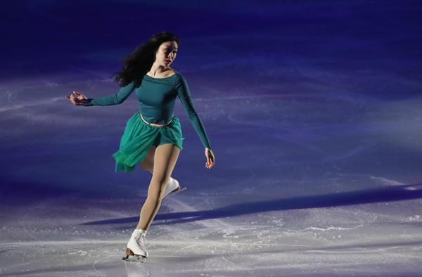 김연아와 함께 시원한 여름을 6일 오후 서울 송파구 올림픽공원 KSPO돔에서 열린 올댓스케이트 2019 아이스쇼에서 김연아 오프닝 무대를 열고 있다.