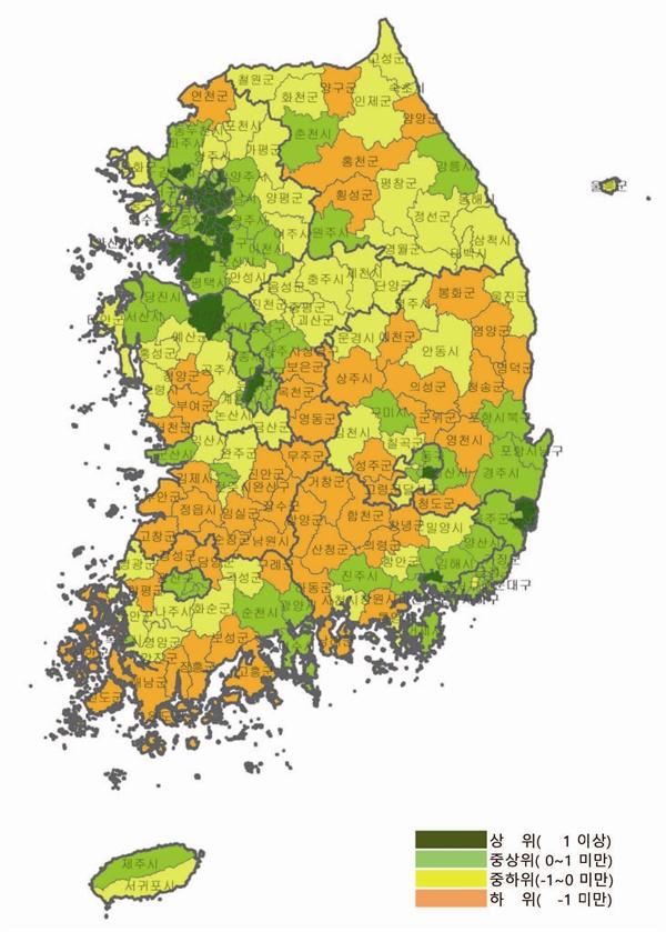 2015년 전국 시군구별 일자리 질 지수 분포. 서울 등 수도권에 일자리 질 지수 상위권(초록색)이 집중돼 있는 반면 전라, 경상, 강원도 지역엔 하위권(붉은색)이 많다.