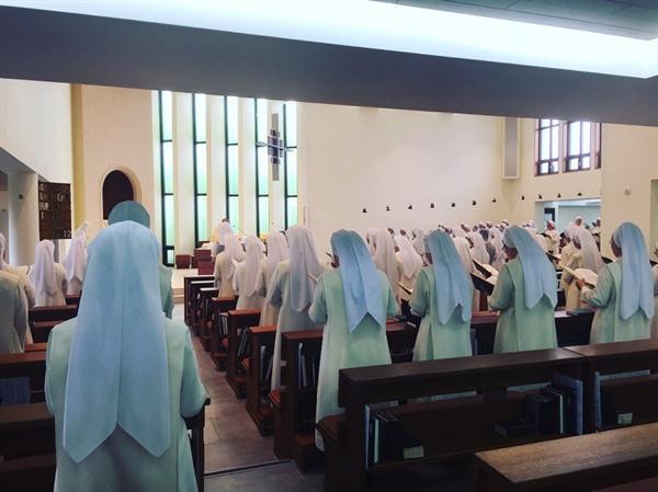 성 베네딕토 수녀원 주일 아침미사