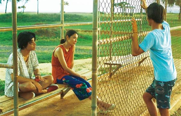 영화 <하나레이 베이>의 한 장면.