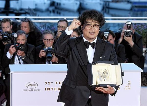 <기생충> 제72회 칸 국제영화제 황금종려상 수상한 봉준호 감독 ·