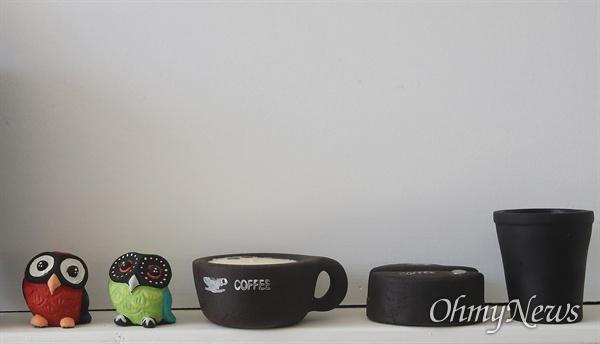 커피 큐브는 커피 점토를 활용해 파벽돌, 화분 등 다양한 수공예품을 생산, 유통하고 있다.