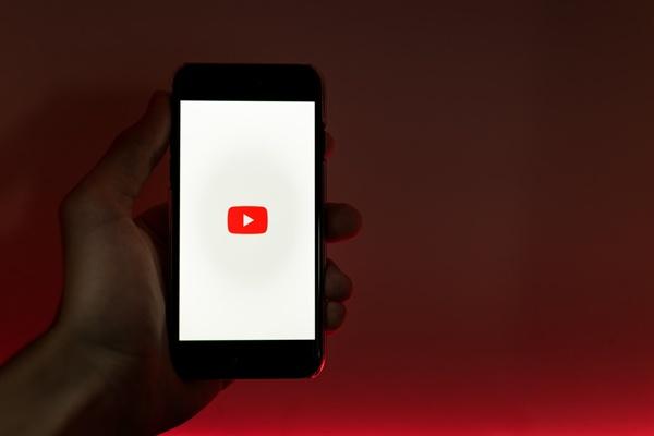 아이들의 일상에 스며든 유튜브.