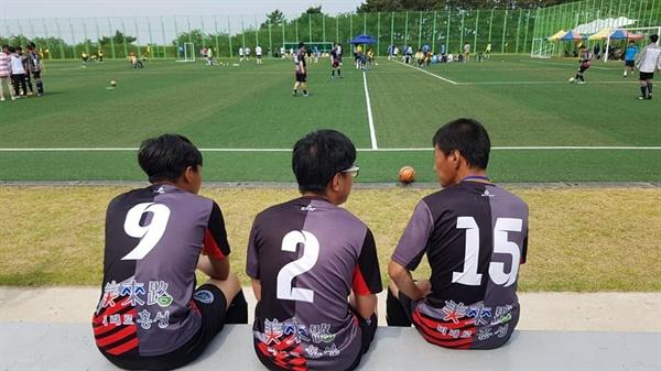 장애인 선수들에게 축구는 단순히 경기 이상이다. 필자가 출전한 종목은 지체장애를 가지고 있는 선수와 한 팀을 이루는 경기이기에 무엇보다도 서로 호흡이 중요했다.