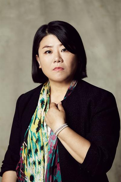 영화 <기생충>에서 문광 역을 맡은 배우 이정은.