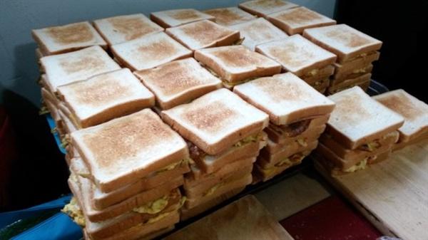 만들어진 샌드위치 80인분