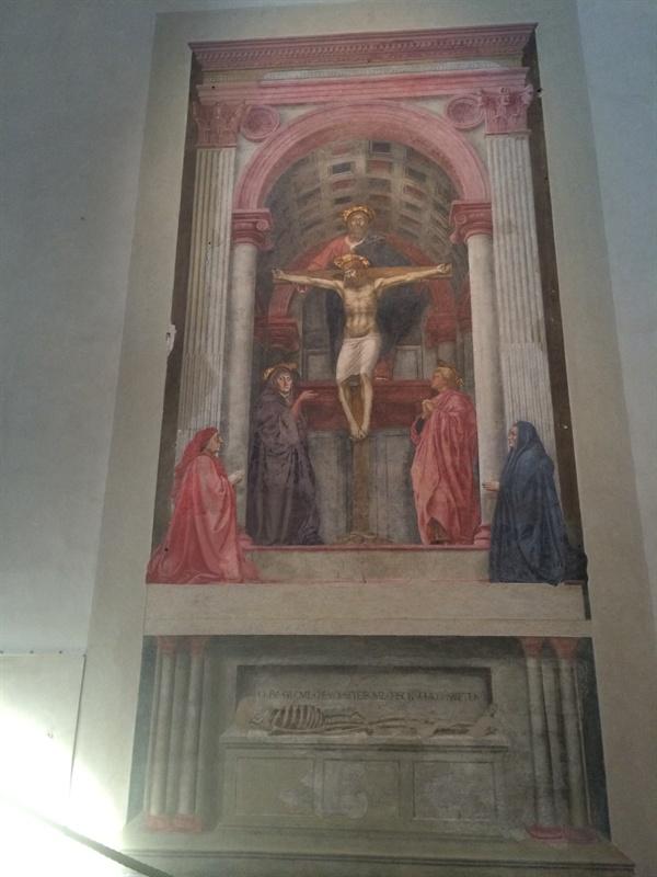 성삼위일체(마사초, 1425, 산타 마리아 노벨라 성당)   해골이 누워있는 아랫 부분에는 '나의 어제는 그대의 오늘, 나의 오늘은 그대의 내일'이라는 문구가 적혀있다. 신만이 죽음을 극복할 수 있다는 뜻이기도 하지만, 죽음은 우리 가까이에 있으니 항상 죽음을 기억하라(Memento Mori)는 의미이기도 하다.