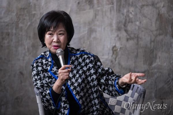 목포 원도심 투기의혹을 받고 있는 손혜원 무소속 의원이 지난 1월 23일 오후 전남 목포 역사문화거리 박물관 건립 희망지에서 기자회견을 하고 있다.