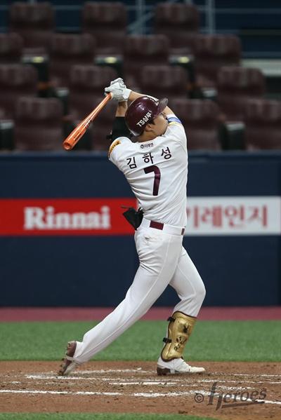 19일 서울 고척 스카이돔에서 2019 신한은행 MY CAR KBO리그 kt위즈와 키움 히어로즈의 경기가 열렸다.