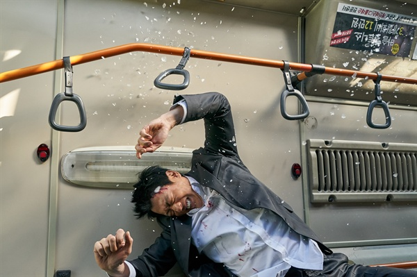 영화 <롱 리브 더 킹: 목포 영웅>의 한 장면.