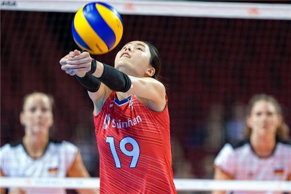 이다영은 이번 VNL 대회에서 주전 세터로 활약하며 김연경도 놀랄 정도로 빠른 성장 속도를 보여줬다.