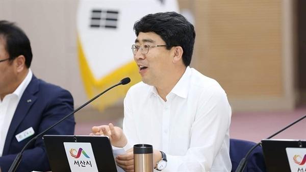 24일 열린 '혁신성과보고회'에 참석한 맹정호 서산시장이 지난 1년 성과에 대해 담당부서와 공유했다. 아울러 앞으로 추진할 신규과제에 대해 토론을 벌이기도 했다.