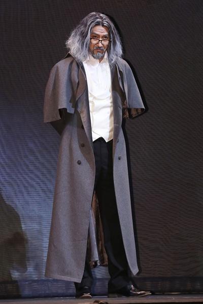 신성우, 묵직한 카리스마 배우 신성우가 27일 서울 강남구 광림아트센터 BBCH홀에서 열린 뮤지컬 '메피스토' 프레스콜에서 포즈를 취하고 있다.