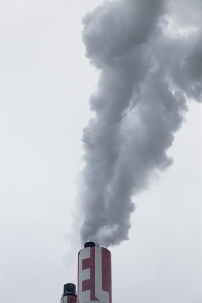 2015년 채택된 파리협정은 2100년까지 지구 온도 상승을 2℃ 이하로 막기 위해 모든 국가가 2050년까지의 장기 전략을 만들어 줄 것을 요청했다. 하지만...