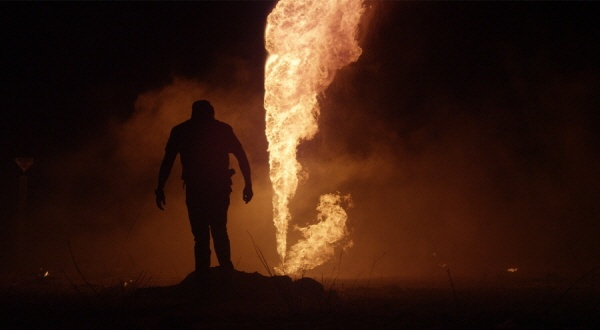 개막작 <기름도둑>의 한 장면
