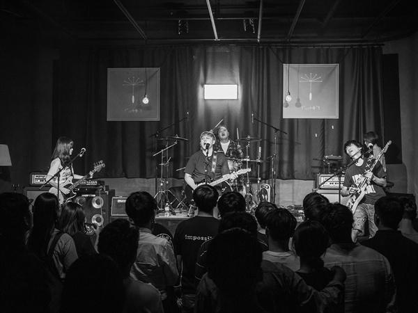 지난 6월 15일 신촌 몽향 라이브홀에서 열린 <흩날리다> 쇼케이스