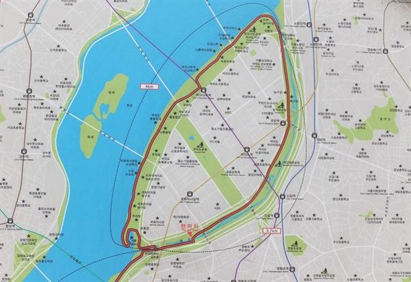 샛강과 한강이 이어지는 섬 여의도.
