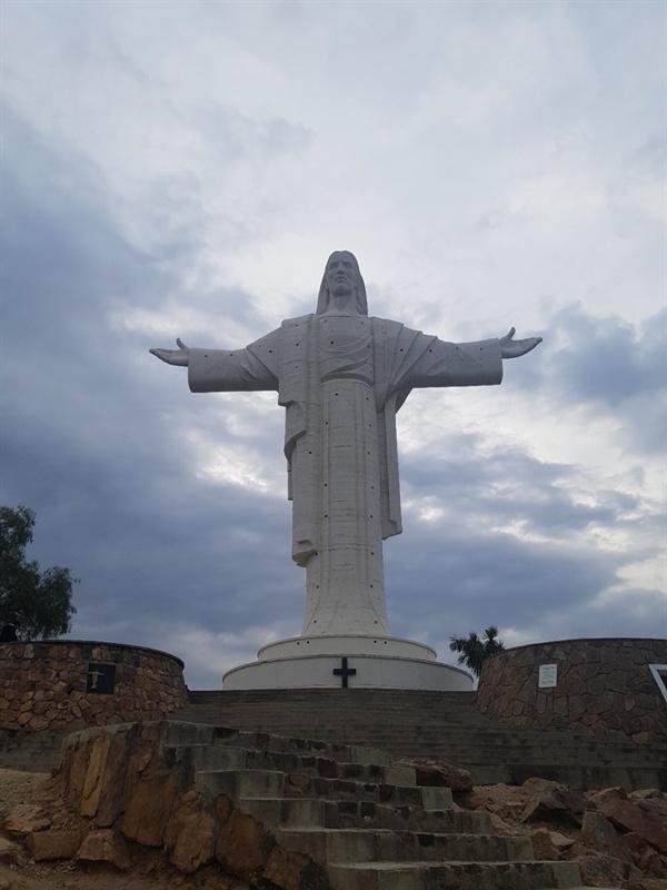 중남미에서 가장 거대한 볼리비아 코차밤바 예수상