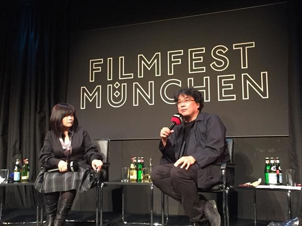 지난 4일 독일 뮌헨영화제 관객과의 대화에 나선 봉준호 감독