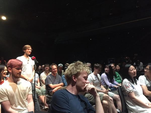 지난 4일 독일 뮌헨영화제 '봉준호 감독 관객과의 대화'에 참석한 관객들의 모습.