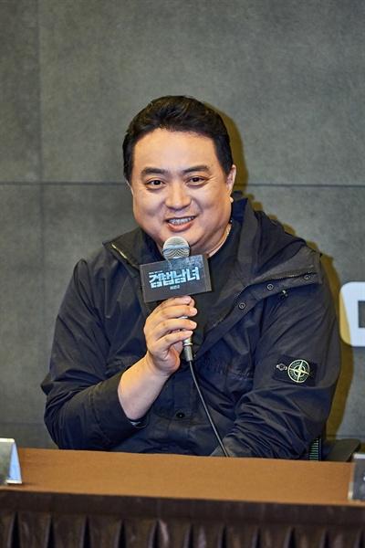 8일 서울 마포구 상암동 MBC 사옥에서 열린 <검법남녀2> 기자간담회에 참석한 노도철PD가 기자들의 질문에 답하고 있다.